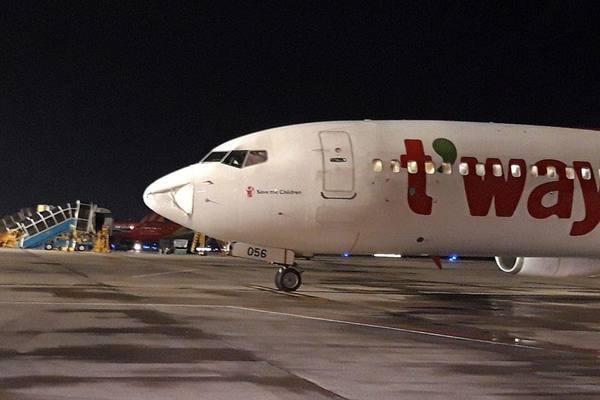 Hé lộ nguyên nhân 2 vụ máy bay bị đâm móp mũi che ra đa ở Việt Nam