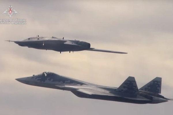 Xem cặp chiến cơ 'chết chóc' Nga cùng khoe sức mạnh