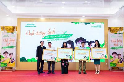 846.000 hộp sữa đậu nành trao cho học sinh tiểu học 4 tỉnh phía Bắc