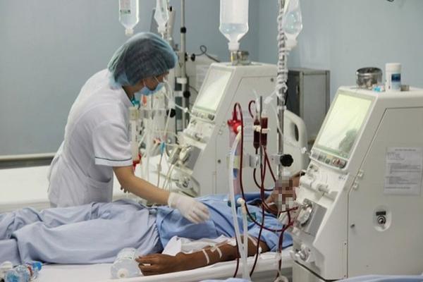 Tin thầy quảng cáo chữa được suy thận độ 8, thanh niên phải vào viện cấp cứu