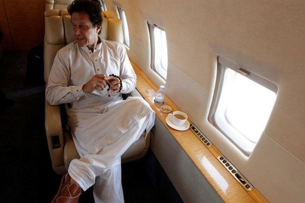 Máy bay chở Thủ tướng Pakistan bất ngờ quay đầu vì trục trặc