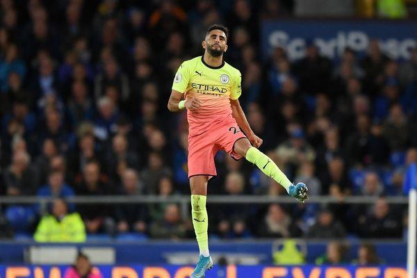 Đè bẹp Everton, Man City phô trương sức mạnh
