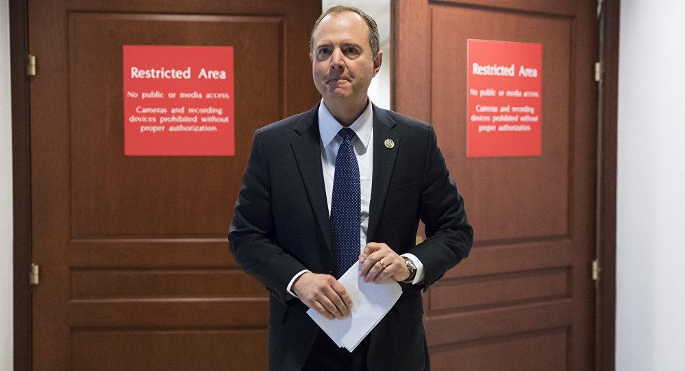 Ông Trump yêu cầu Chủ tịch Ủy ban Tình báo Hạ viện từ chức
