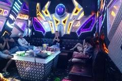 Bắt quả tang hàng loạt trai gái phê ma túy trong quán karaoke