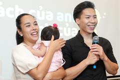Bà xã Ngọc Mai 'phát điên' vì dạy Quốc Nghiệp hát
