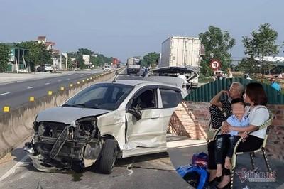Xe container tông phía sau, bé 3 tuổi cùng 3 người lớn thoát chết