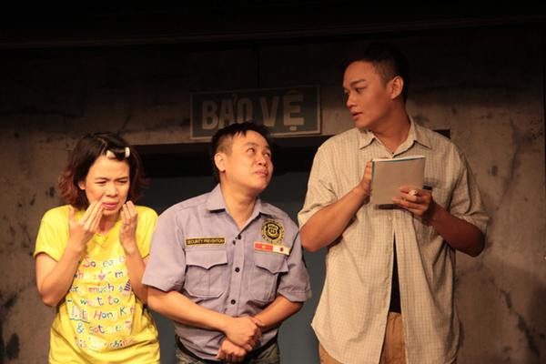 Sân khấu kịch 14 năm của NSND Hồng Vân phải đóng cửa