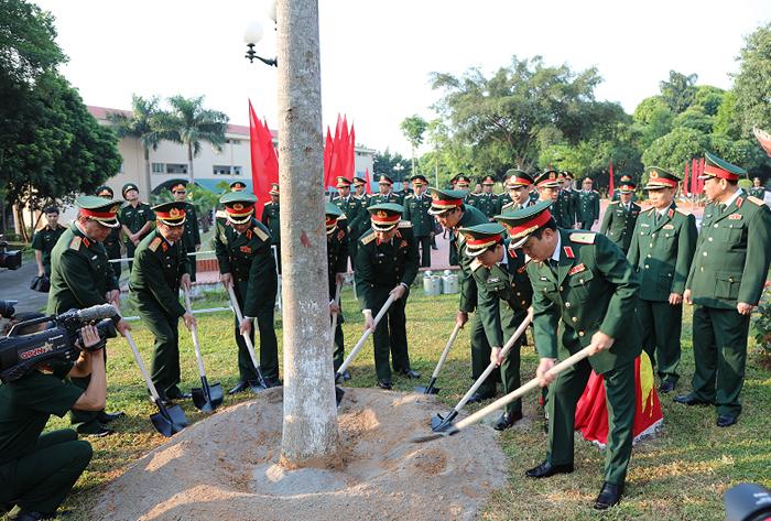 Ngô Xuân Lịch,Đại tướng Ngô Xuân Lịch,Bộ Quốc phòng,quân khu 2