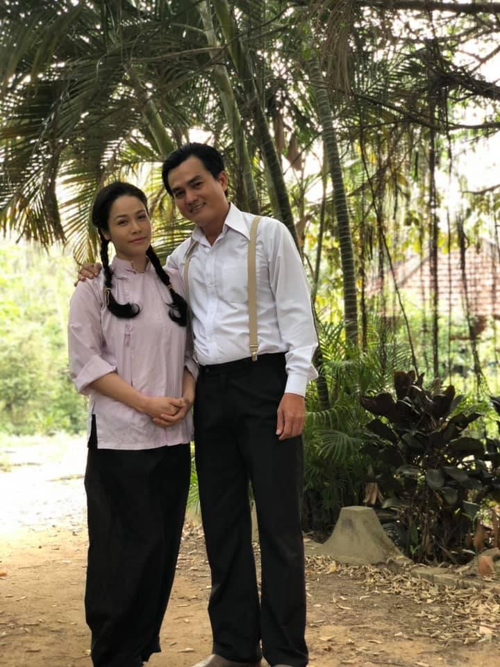 'Thị Bình' Nhật Kim Anh ăn cơm hàng cháo chợ, bầm dập vì phim