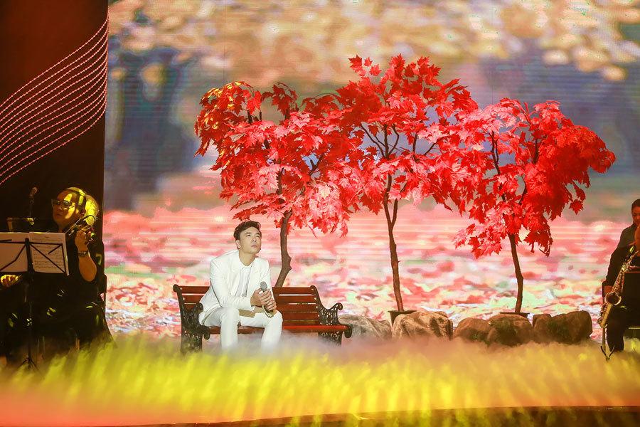 Thanh Lam 'rút hết gan ruột' hát cùng Lê Việt Anh
