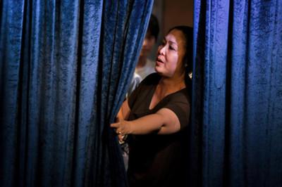 Đêm diễn cuối ở sân khấu Hồng Vân: Chuyện sau tấm màn nhung