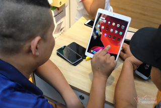 Mở hộp iPad 2019 giá rẻ tại Việt Nam, giá từ 9,9 triệu đồng