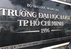 """Trường ĐH Luật TP.HCM nợ dây dưa 29 tỷ, tuyển sinh """"chui"""" văn bằng 2"""