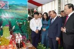 'Làm sao để mỗi khách du lịch đến Lạng Sơn phải mua 1 con vịt quay mang về'