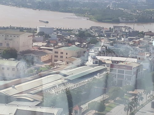 Dong Nai river full of waste water, millions of people in danger