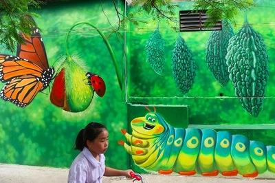 Báo Anh ca ngợi làng bích hoạ Hà Nội đẹp như cổ tích
