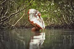Hoa hậu Siêu vòng 3 khoe đường cong kêu gọi bảo vệ rừng Amazon