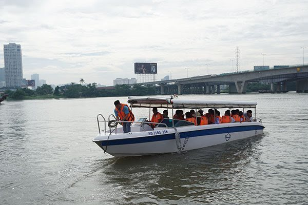 Pollution hinders HCM City's waterway tourism