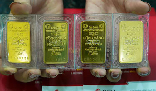 Giá vàng hôm nay 3/10, toàn cầu lo lắng, vàng bật tăng lên 42 triệu đồng