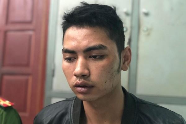 Hai nghi phạm giết tài xế Grabbike ung dung ngồi uống rượu khi bị bắt