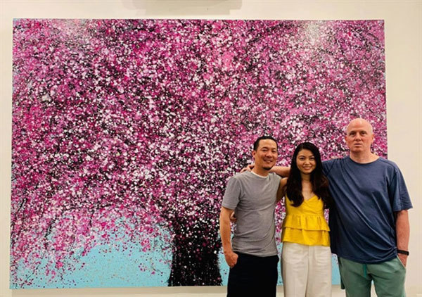 Peach blossoms the apple of this painter's eye