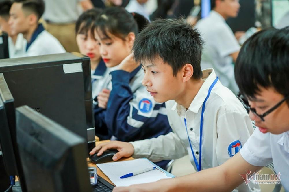 Thi quốc gia trên máy tính: Nỗi lo can thiệp 'hàng loạt'