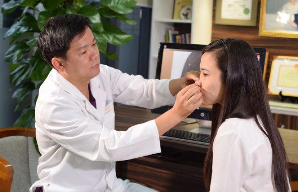 Bác sĩ 'mát tay' thẩm mỹ thành công  hàng ngàn ca nâng mũi