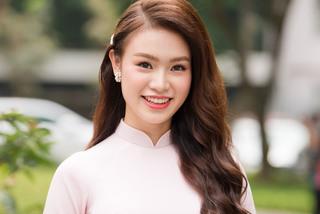 Người đẹp Ngọc Vân tốt nghiệp ĐH Ngoại thương loại xuất sắc