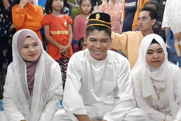 Đám cưới có 2 cô dâu kỳ lạ ở Malaysia