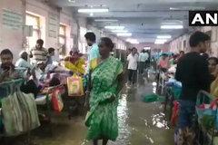 Hình ảnh mưa lụt kỷ lục ở Ấn Độ, hàng trăm người chết