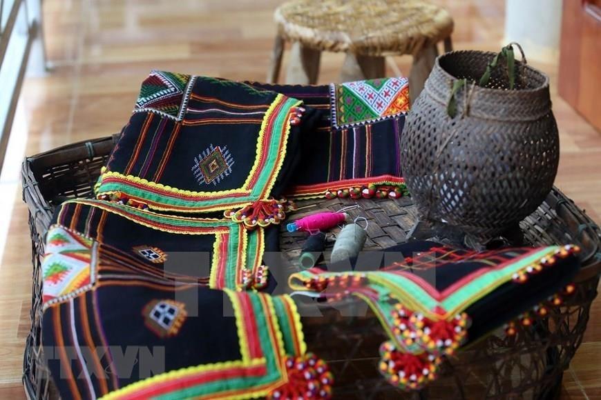 Traditional Pieu scarf of Thai ethnic people,Vietnam entertainment news,Vietnam culture,Vietnam tradition,vietnam news