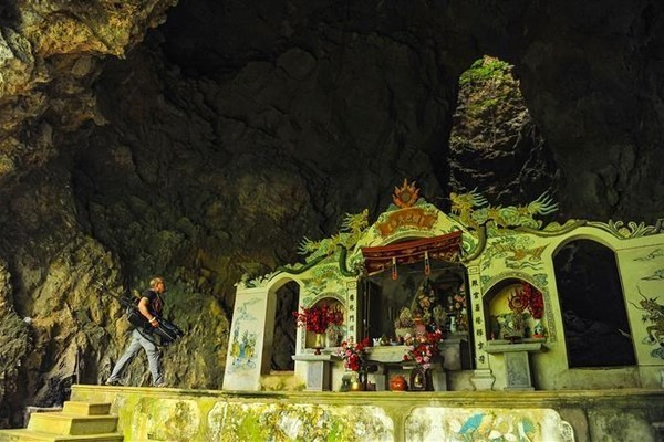Thien Huong grotto,ninh binh travel,travel news,Vietnam guide,Vietnam tour,travelling to Vietnam,Vietnam travelling,Vietnam travel,vn news,vietnamnet news,vietnamnet bridge,Vietnam breaking news,Vietnamese newspaper,Vietnam latest news,Vietnamese newspape