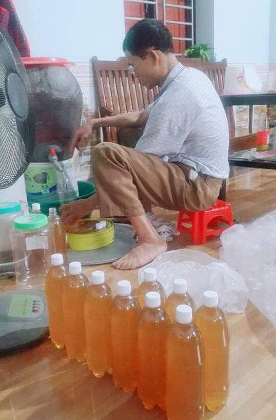 Lão nông đổi đời sống dư giả nhờ nghề nuôi ong ở Bắc Giang