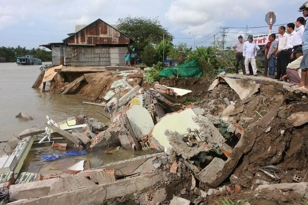Anti-landslide projects in Mekong Delta called costly and ineffective