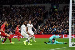 Bayern Munich ngược dòng đè bẹp Tottenham 7-2