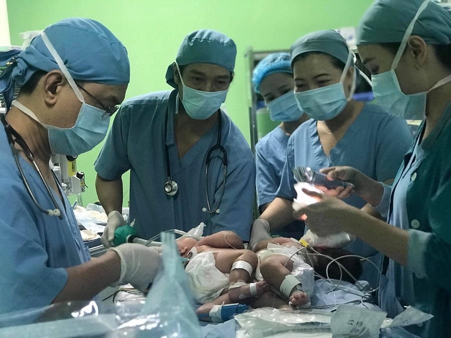 Phẫu thuật,Song Sinh