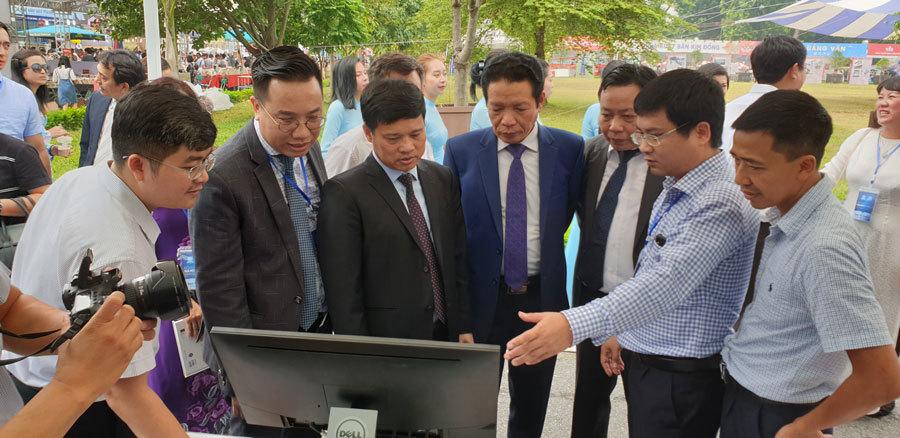 Hội sách Hà Nội 2019 giảm giá sâu để thu hút độc giả