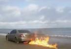 Chàng trai đốt chiếc Mercedes E220 để chuộc lỗi ngoại tình
