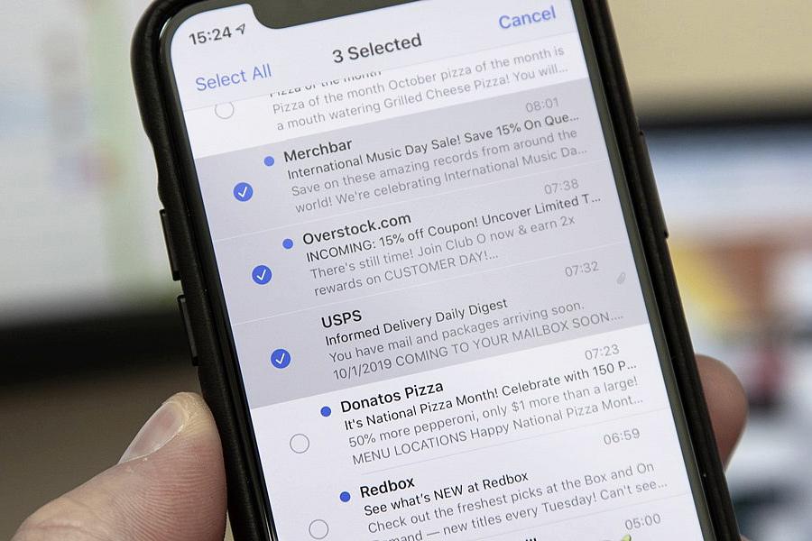 Cách chọn và xóa nhanh nhiều email cùng lúc trên iOS 13