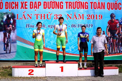 That, Tam win national cycling titles