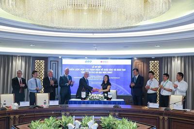FLC bắt tay RMIT đào tạo nhân lực chất lượng cao
