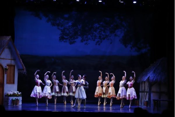 Giselle's welcome return to HCM City