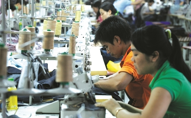 US importers reconsider orders of Vietnam's garments