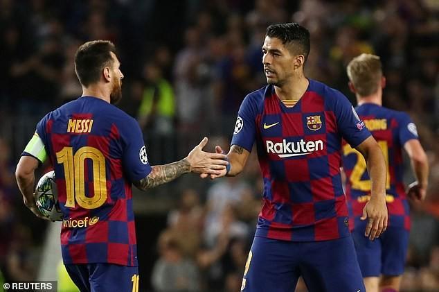Messi trở lại, gây bão vì pha kiến tạo cho Suarez