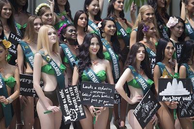 Đại diện Việt Nam nổi bật khi diện bikini bên dàn thí sinh Miss Earth 2019