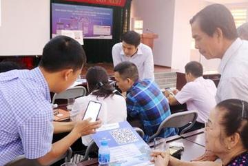 Quảng Ninh kết nối với người dân qua smartphone