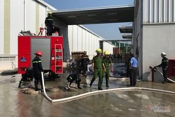 Đang làm việc chuông báo cháy réo inh ỏi, 2 nữ công nhân nhập viện