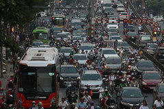 Solutions needed as Hanoi chokes under smog