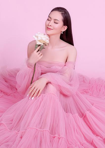 Người đẹp Việt thay đổi bất ngờ sau 2 năm kết hôn