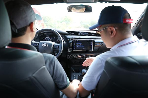 Toyota Hilux gây ấn tượng ở giải đua VOC 2019